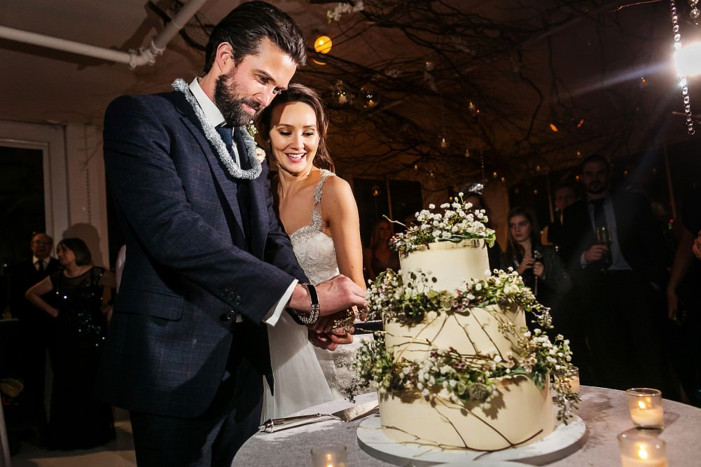claire cooper and emmett scanlan wedding cake