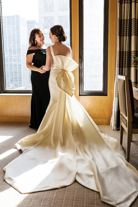 Wedding photos in Four Seasons Hotel New York