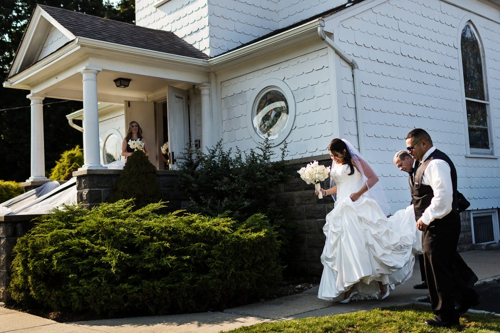 small chapel wedding near oheka castle