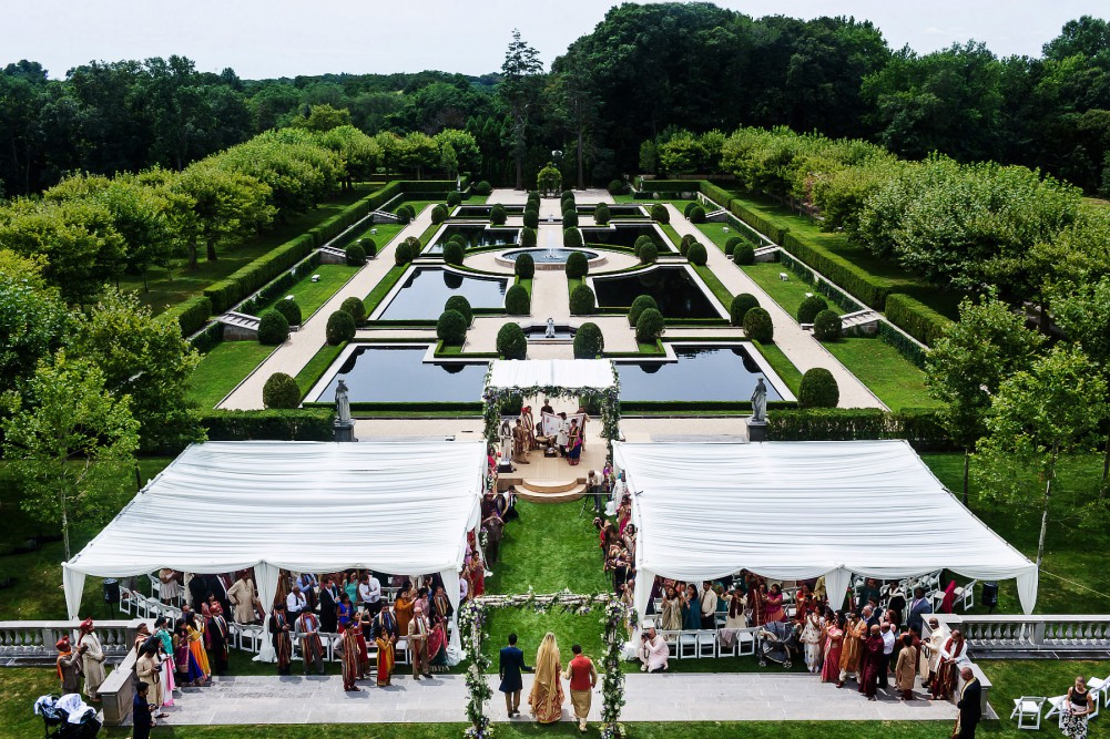 spectacular oheka castle indian wedding